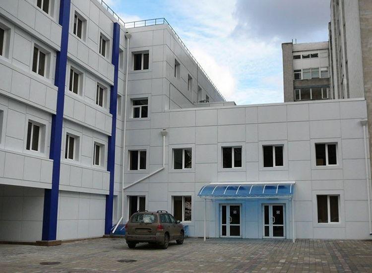вентилируемый фасад больницы Киев