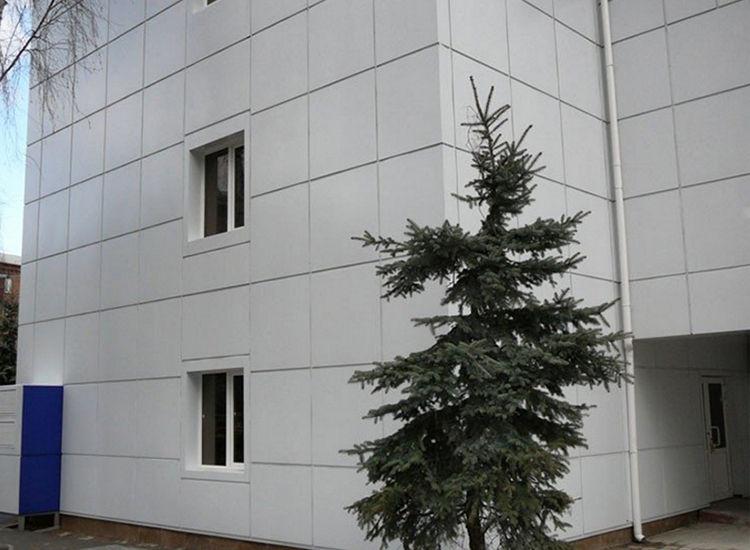 Монтаж вентилируемого фасада для больницы в Киеве