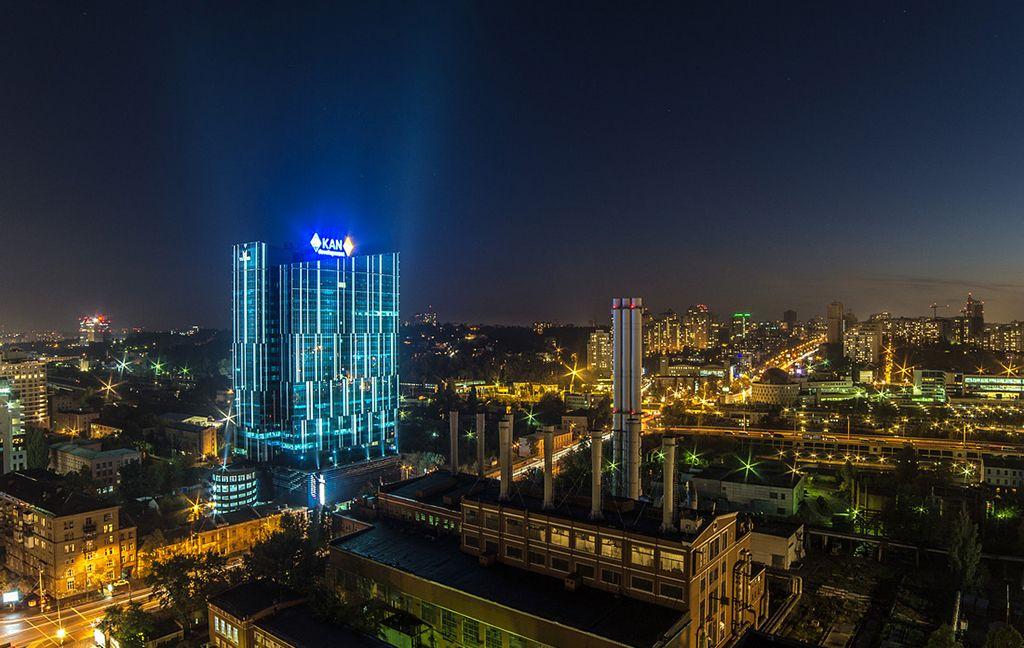 101 tower вечером