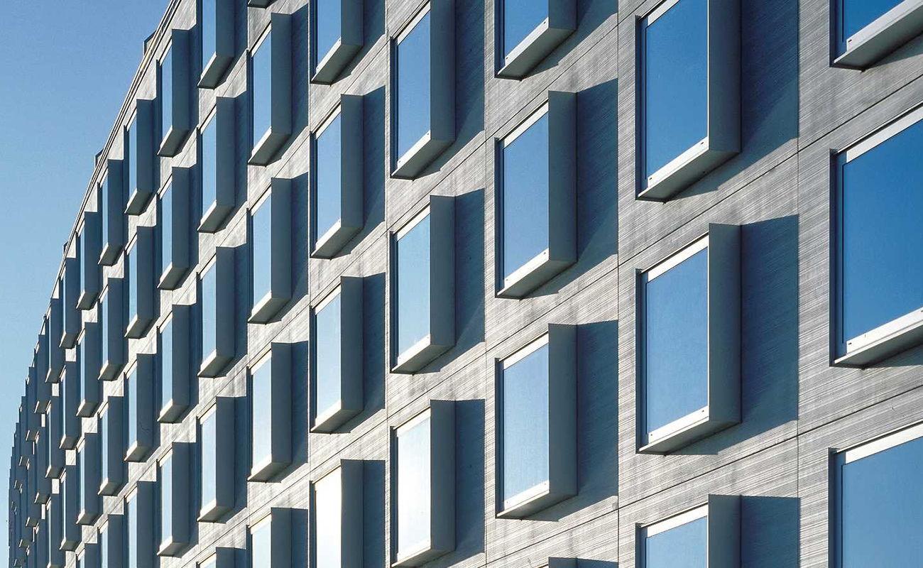 facade-crowne-plaza